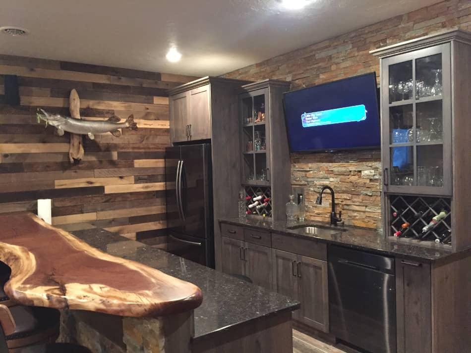 Live Edge Walnut Bar Top 3 Wood Vendors