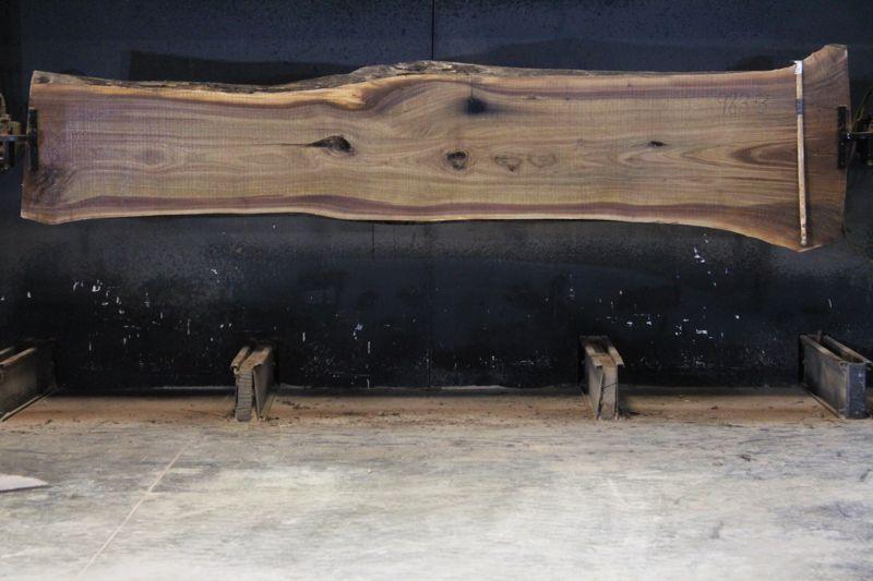 walnut slab 983-3 rough size 2.5″ x 23-38″ avg. 26″ x 13′