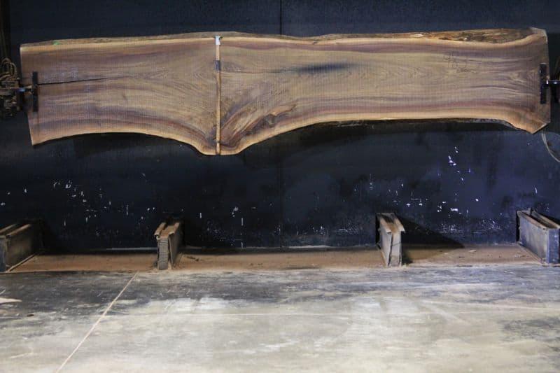 walnut slab 983-7 rough size 2.5″ x 23-36″ avg. 27″ x 13′